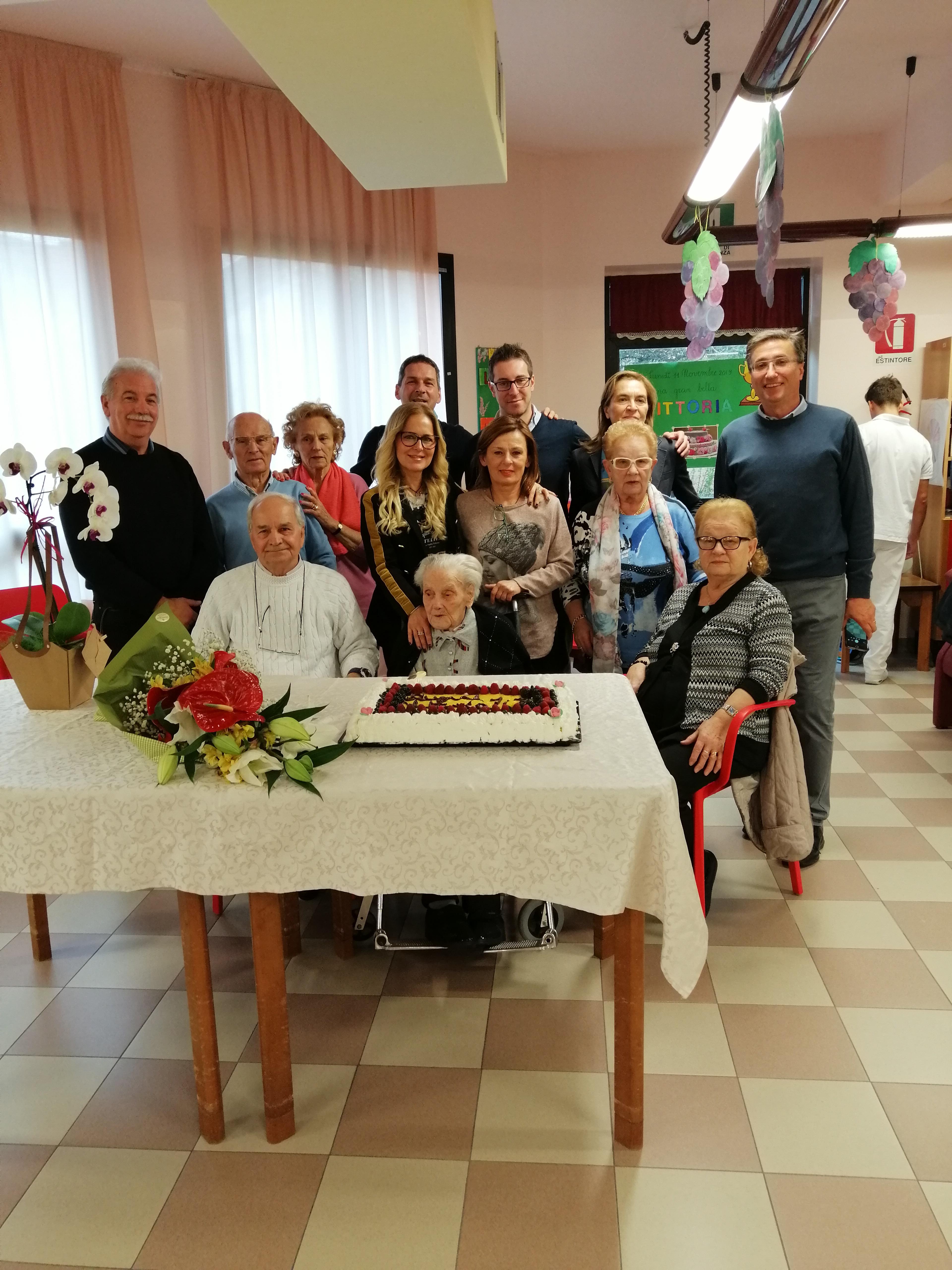 Festeggiamo i 107 anni di VITTORIA ALBERTINI!
